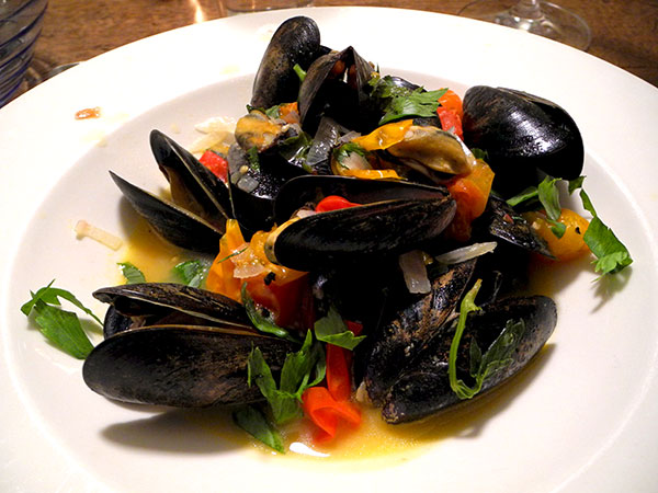 steamed_mussels_with_lovage_3