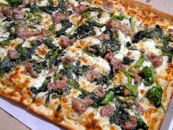 Roccos_sausage_pizza
