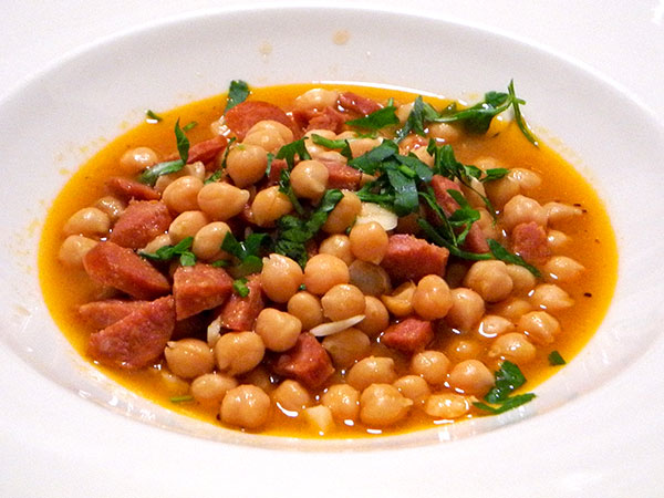 chickpeas_chorizo_garlic