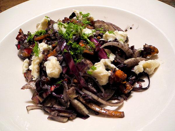 red_cabbage_salad_gorgonzola