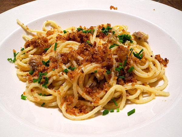 spaghetti_smoked_eel_pangrattato