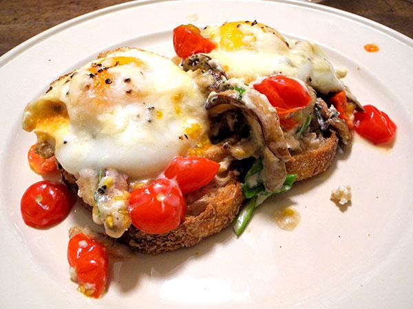 baked_eggs_mushrooms_scallions_gruyere