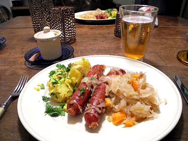 kielbasa_sauerkraut_potatoes