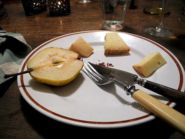 Anjou_pear_cheeses