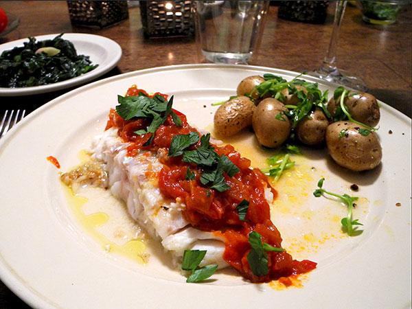 cod_tomato_sauce_mustard_greens