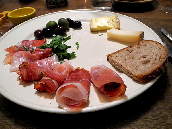 speck_cheese_olives_parsley