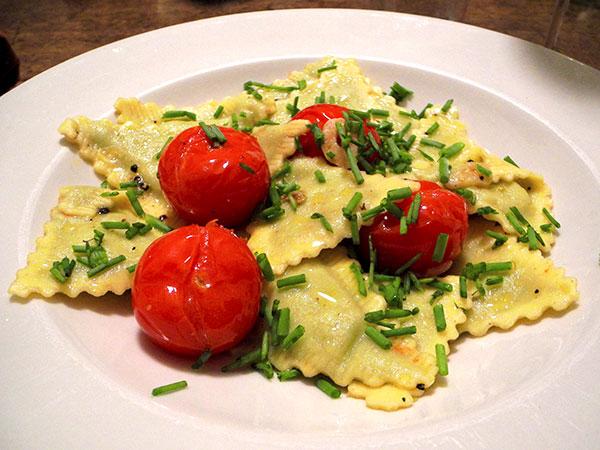 asparagus_ravioli_tomato_onion_tops