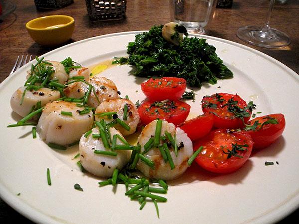 scallops_tomato_kale