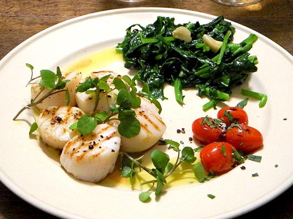 scallops_sweet_kale_tomato