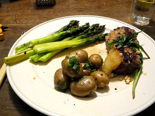 tri-tips_potatoes_asparagus