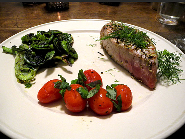tuna_fiddleheads_tomato