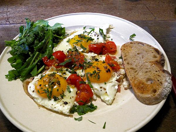 eggs_pancetta_tomato