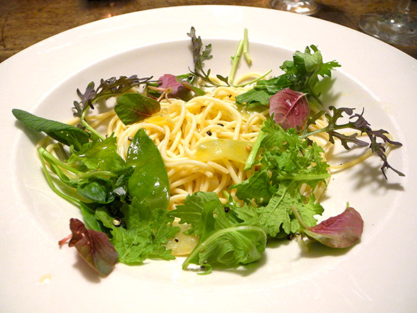 spaghettini_snow_peas_baby_greens