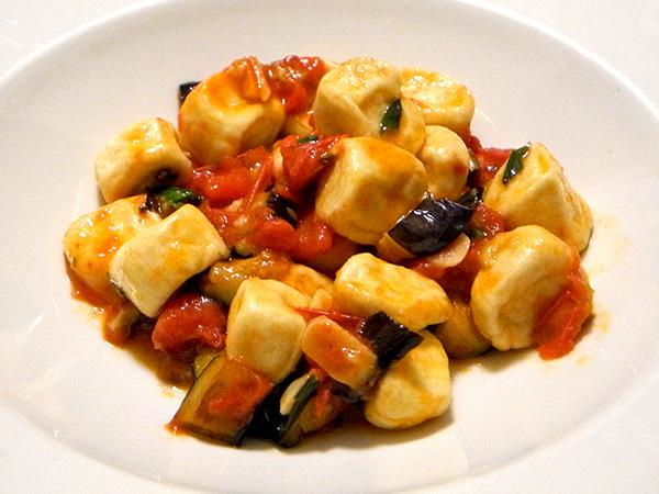 ricotta_gnocchi_tomato_eggplant
