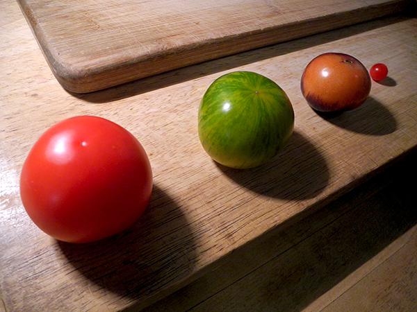 tomato_solar_system