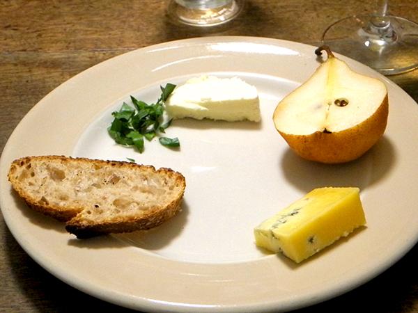 cheese_pear_bread