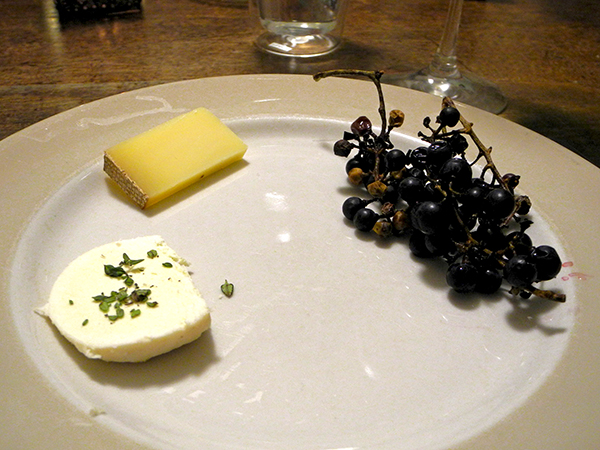 cheese_wild_grapes