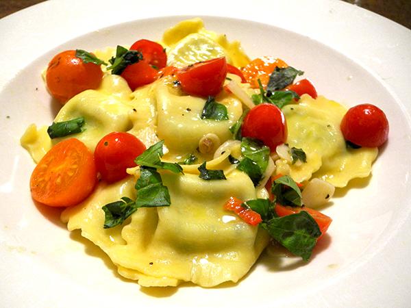 spinach_ricotta_ravioli_tomato