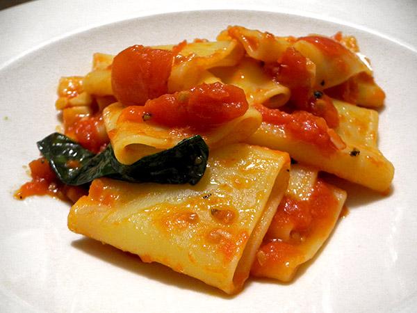 paccheri_tomato_sauce