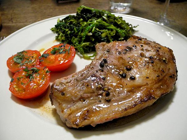 pork_chop_savoy_cabbage_tomato