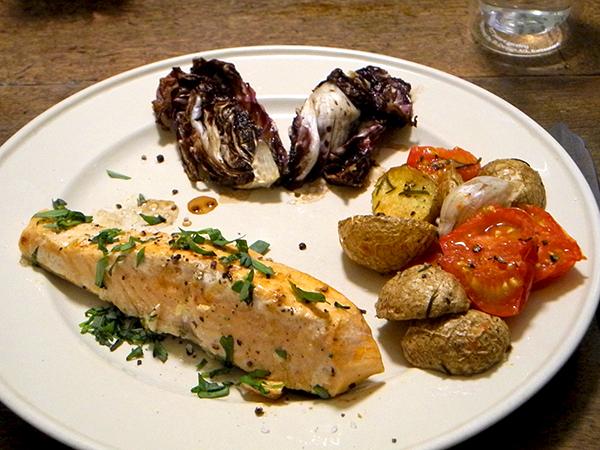 salmon_radicchio_potato-tomato