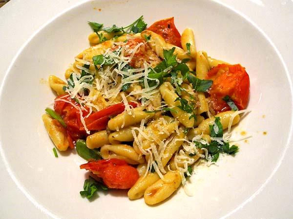Cavatelli_spring_garlic_tomato_anchovy
