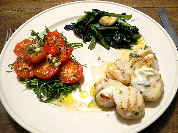 scallops_tomato_mustard_greens