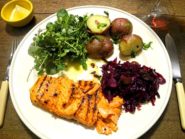 salmon_red_cabbage_cress_potato