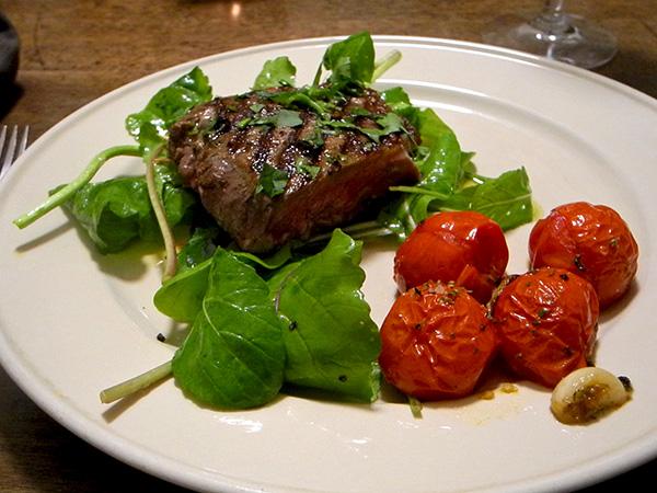 steak_arugula_tomato