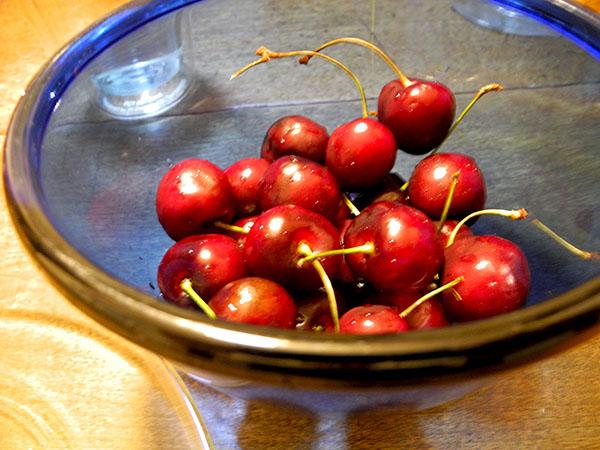 cherries_blue_bowl