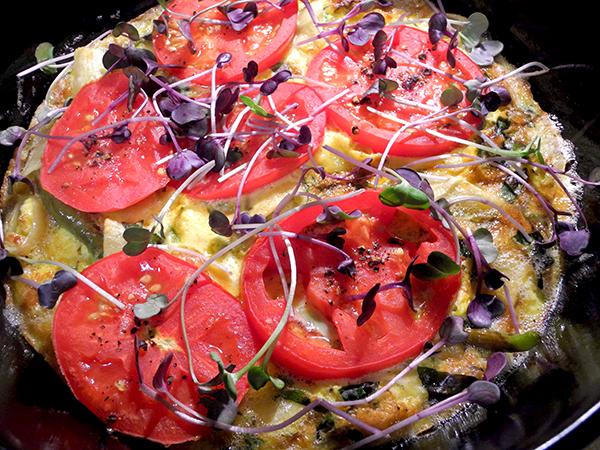 tomato-pepper-pasta-frittata