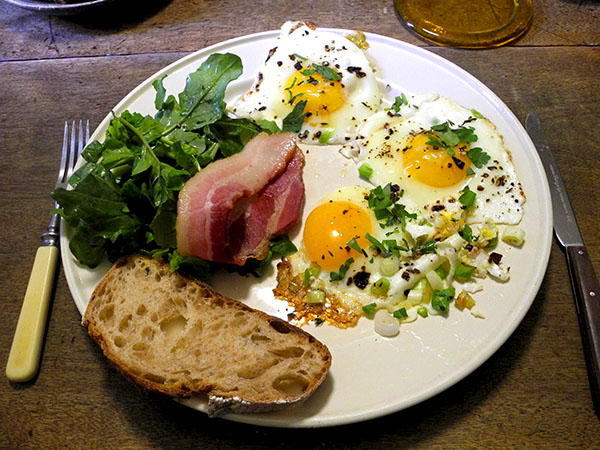 eggs_bacon_arugula_toast
